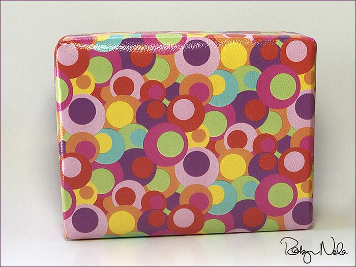 robyn-nola-gift-wrap